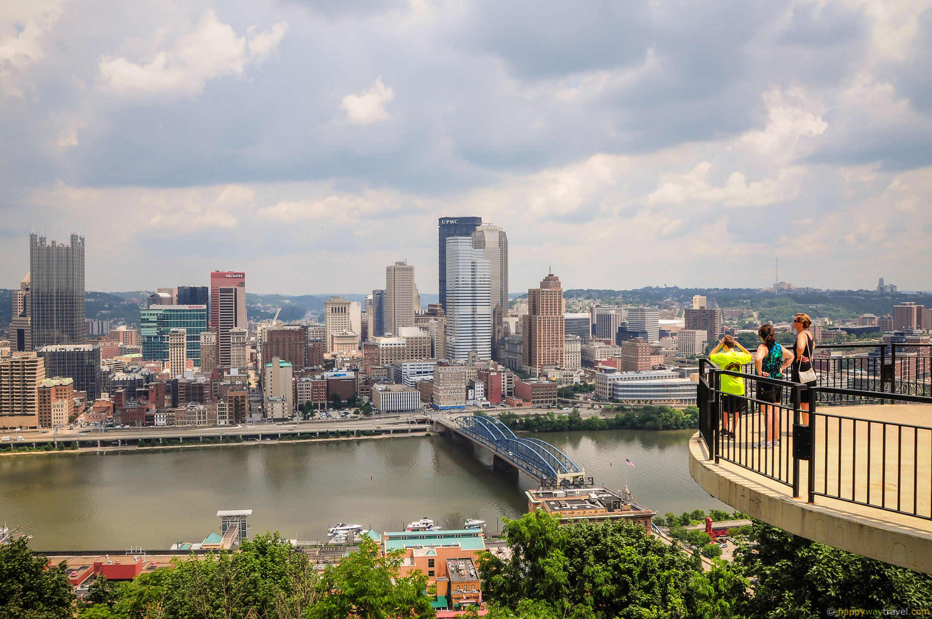 Estimated per capita income in 2016 30244 it was 18816 in 2000 Pittsburgh city income earnings and wages data Estimated median house or condo value in 2016